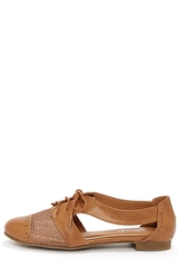 Marty 02 Camel Cutout Oxford Flats at Lulus.com!