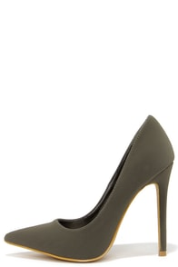 Make It Snappy Grey Pointed Pumps at Lulus.com!