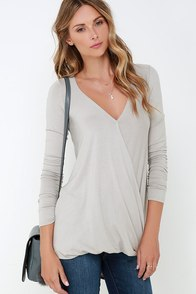 Shoop-a-Loop Grey Long Sleeve Top at Lulus.com!