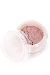 Honeybee Gardens Princess Blush Pink Mineral Powder at Lulus.com!