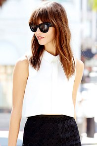 She's the Business Ivory Sleeveless Crop Top at Lulus.com!