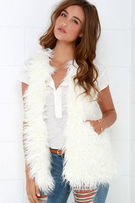 Black Swan North Ivory Faux Fur Vest at Lulus.com!
