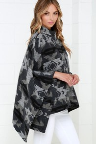 Multnomah Falls Grey Print Poncho at Lulus.com!