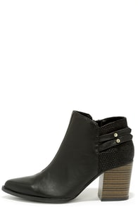 Toe Tapper Black Pointed Toe Booties at Lulus.com!