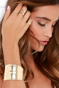 Egyptian Goddess Gold Bracelet and Ring Set at Lulus.com!
