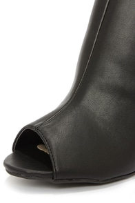 Bamboo Kenedy 02 Black Peep Toe Booties at Lulus.com!