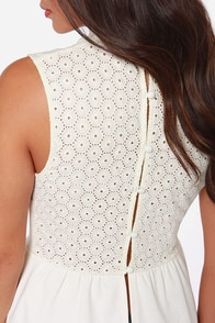Black Swan Melania Ivory Lace Top at Lulus.com!