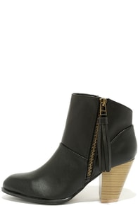 Nitty Pretty Black High Heel Ankle Boots at Lulus.com!