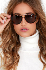 Retro Perspective Tortoise Aviator Sunglasses at Lulus.com!