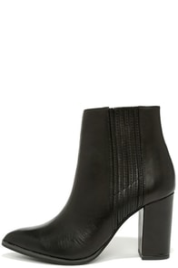 Seychelles Accordion Black Leather Ankle Boots