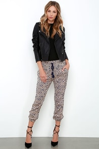 Amuse Society Cheyanne Beige Cheetah Print Pants at Lulus.com!