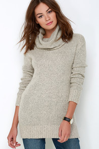 BB Dakota Moxie Light Grey Sweater at Lulus.com!