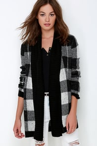 BB Dakota Jalen Black Plaid Cardigan Sweater at Lulus.com!