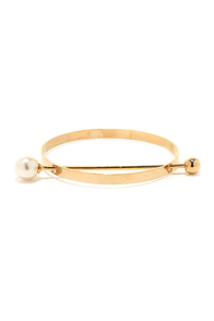 Prim and Proper Gold and Pearl Bracelet at Lulus.com!