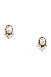 Stun and Only Gold and Pearl Earrings at Lulus.com!