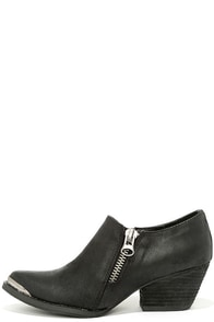 Very Volatile Ralla Black Pointed Ankle Boots at Lulus.com!