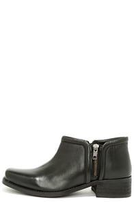 Seychelles Tanzanite Black Leather Ankle Boots at Lulus.com!