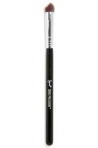Sigma 3DHD Angled Precision Makeup Brush at Lulus.com!