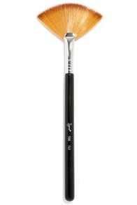 Sigma F41 Fan Makeup Brush at Lulus.com!