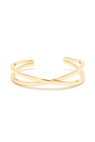 Crisscross Applesauce Gold Bracelet at Lulus.com!