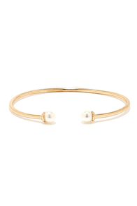 Falling with Style Gold and Pearl Bracelet at Lulus.com!