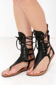 Sunchaser Black Lace-Up Thong Sandals at Lulus.com!