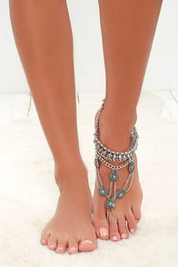 Best Foot Forward Silver Foot Bracelet