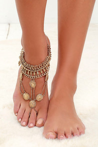 Best Foot Forward Gold Foot Bracelet