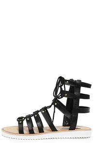 Steve Madden Maybin Black Leather Gladiator Sandals at Lulus.com!
