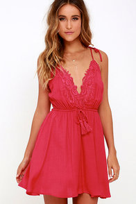 Social Butterfly Red Backless Lace Dress