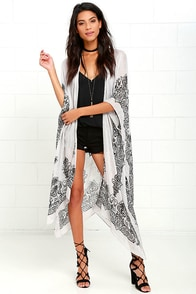 Exotic Sol Black and Grey Print Kimono Top