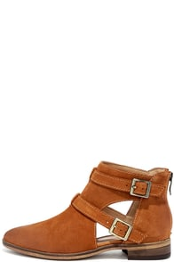 Chinese Laundry Dandie Whiskey Brown Suede Leather Ankle Booties