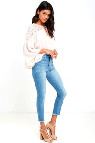 Foxy Light Wash High-Waisted Cropped Skinny Jeans