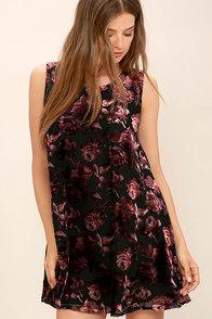 BB Dakota Britannia Burgundy Velvet Floral Print Dress
