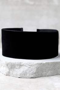 Far and Wide Black Velvet Choker Necklace