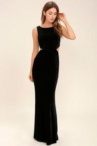 Reach Out Black Velvet Maxi Dress