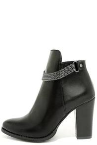 Wilona Black Ankle Booties