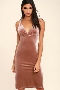 Run the Night Blush Pink Velvet Bodycon Dress