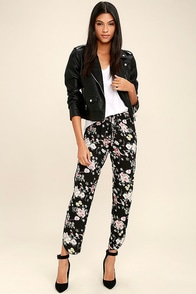 Day Dream Black Floral Print Bottoms at Lulus.com!