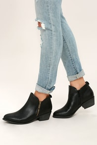 Darcy Black Ankle Booties