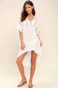Amuse Society Callow Gold and Ivory Embroidered Kaftan Dress