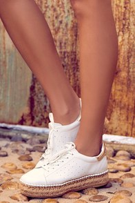 Steven by Steve Madden Pace White and Gold Leather Sneakers
