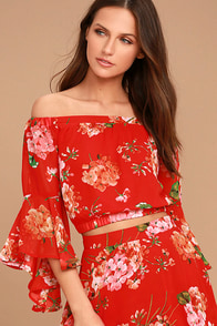 Naturally Charming Red Floral Print Off-the-Shoulder Crop Top