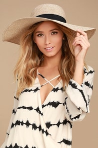I Feel Love Beige Floppy Straw Hat