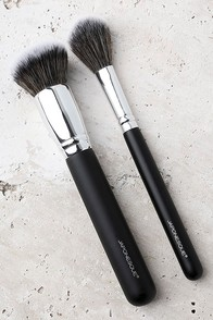 Japonesque Must-Have Complexion Brush Duo