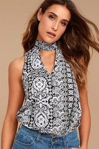 Traveler Black Print Sleeveless Top