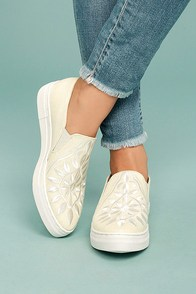 Seychelles Sunshine Natural Canvas Embroidered Slip-On Sneakers