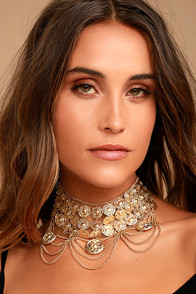 Feast for the Eyes Gold Choker Necklace