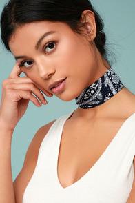 Naya White and Navy Blue Print Choker Necklace