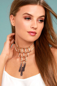 Plentiful Rust Red and Beige Choker Necklace